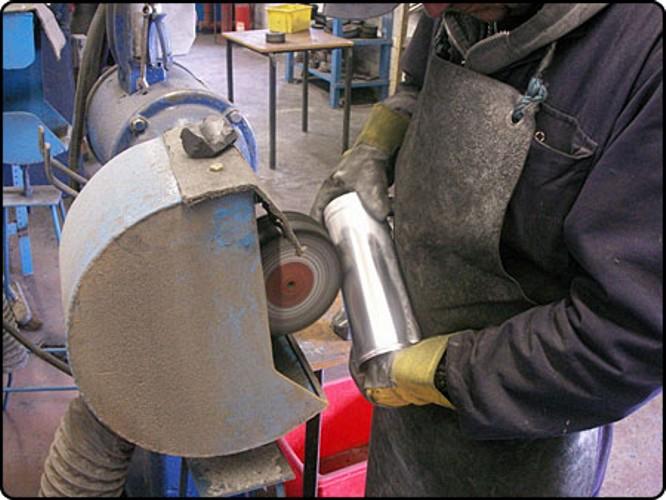 предложениях рубрике жидкость для полировки алюминия зеркального состояния станции